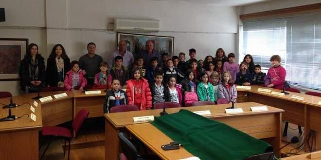 Επίσκεψη μαθητών του Δημοτικού Σχολείου Αερινού στο Δήμαρχο