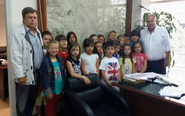 Επίσκεψη μαθητών 1ου Δημοτικού Σχολείου Βελεστίνου στο Δήμο Ρήγα Φεραίου