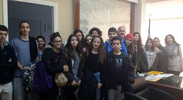 Επίσκεψη Μουσικού Σχολείου Βόλου & 6ου Γυμνασίου Βόλου στο Δήμο Ρήγα Φεραίο για τη Χάρτα του Ρήγα