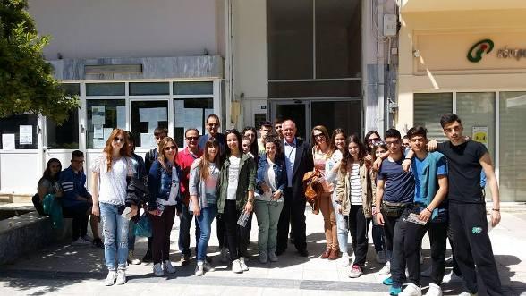 Επίσκεψη μαθητών του 4ου ΓΕΛ Αγρινίου στο Δήμο Ρήγα Φεραίου για τη Χάρτα του Ρήγα