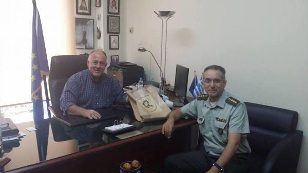Συνάντηση του Δημάρχου Ρήγα Φεραίου με το νέο διοικητή του 304 ΠΕΒ