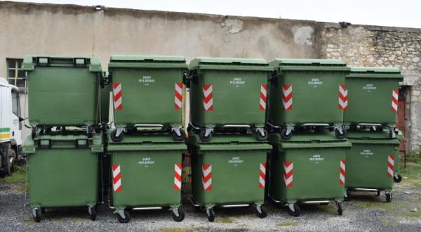 Εφοδιασμός 40 πλαστικών κάδων για το Δήμο Ρήγα Φεραίου