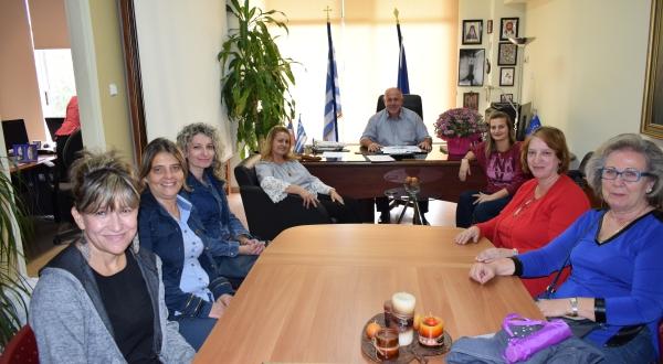 Συνάντηση του Δημάρχου Δήμου Ρήγα Φεραίου  Δημήτρη Νασίκα με το νέο Διοικητικό Συμβούλιο του Συλλόγου Γυναικών «Υπέρεια Κρήνη»