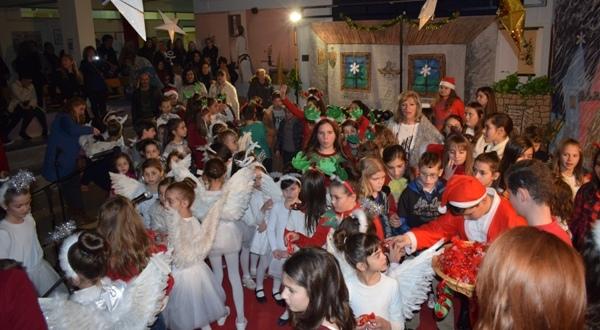 Μεγάλη Χριστουγεννιάτικη γιορτή των ΚΔΑΠ του Δήμου Ρήγα Φεραίου