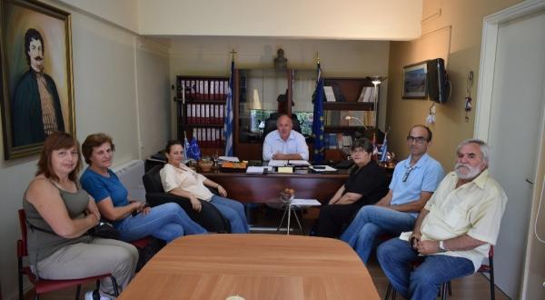 Συνάντηση συλλόγου γονέων τριών τέκνων Μαγνησίας «Η ΑΡΓΩ» με το Δήμαρχο Ρήγα Φεραίου