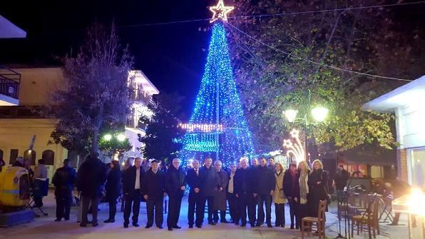 """""""Μελωδική"""" και """"Γευστική""""  η φωταγώγηση του Χριστουγεννιάτικου Δέντρου στο Βελεστίνο"""