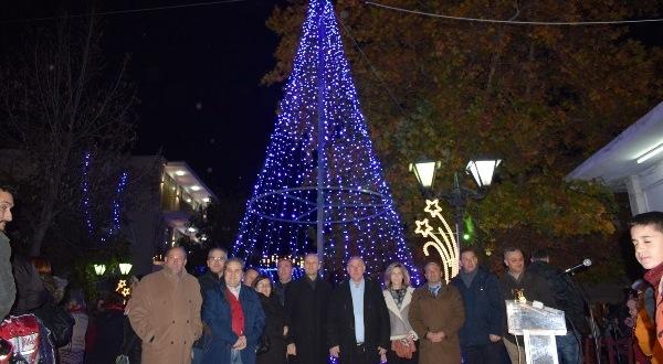 Φωταγώγηση Χριστουγεννιάτικου δέντρου στο Βελεστίνου
