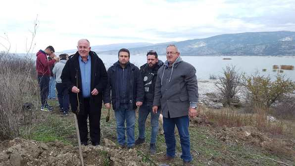 Με  τη δενδροφύτευση του Εκθεσιακού Κέντρου Φυσικής Ιστορίας και Πολιτισμού Σπουδαίο περιβαλλοντικό αποτύπωμα στην Λίμνη Κάρλα